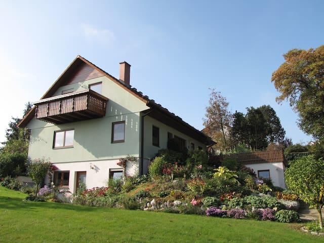 Ochsenhausen的民宿