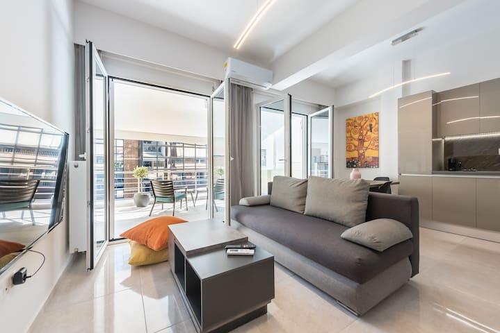 Exceptional Apartment in the center of Piraeus