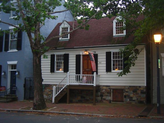 George Washington Town House - Old Town Alexandria