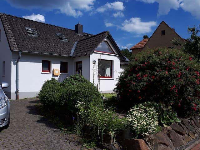 Idyllisches Wohnen in einer ruhigen Straße
