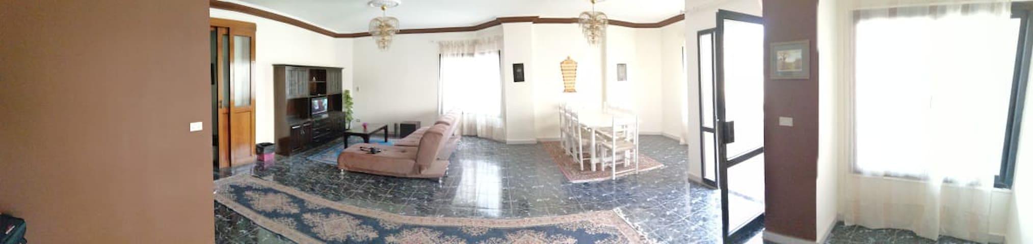 Al Manteqah Al Oula的民宿