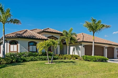 Luxury Vacation Home with direct Gulf access