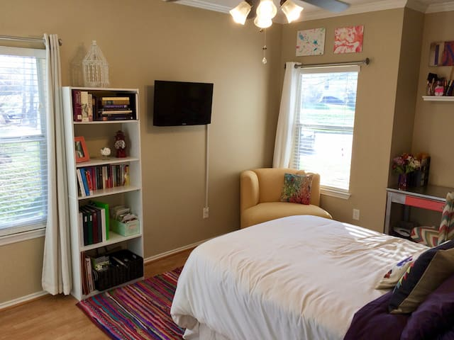Bright First Floor Master Bedroom w/ Private Bath
