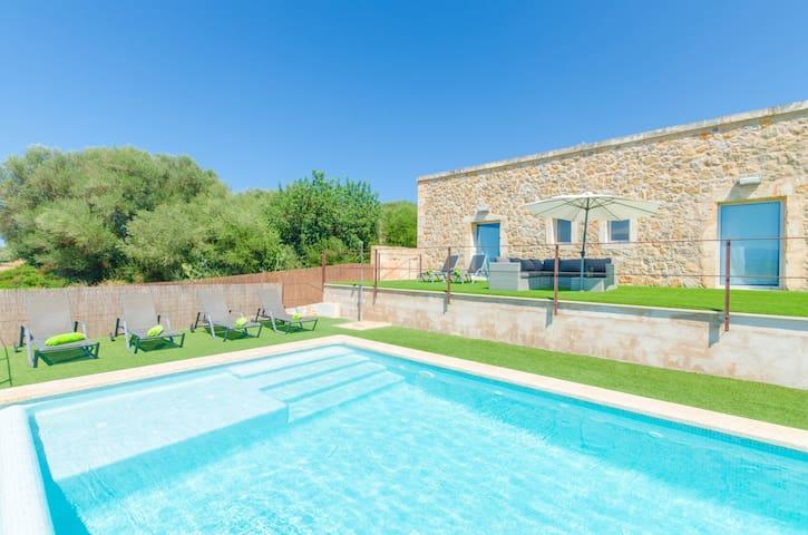 ES GASSONS - Villa with private pool in Maria De La Salut.