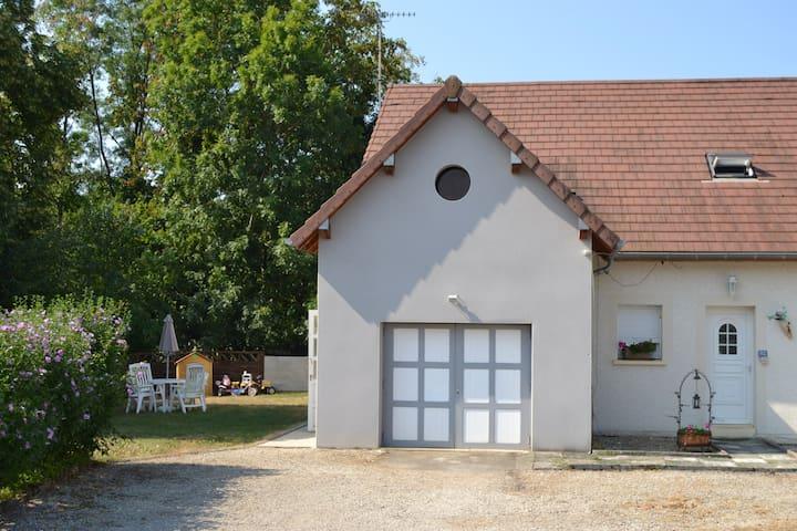 Messia-sur-Sorne的民宿