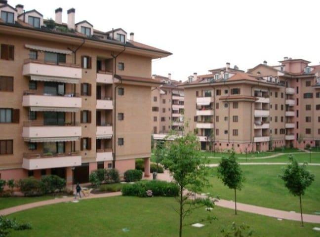 San Giuliano Milanese的民宿