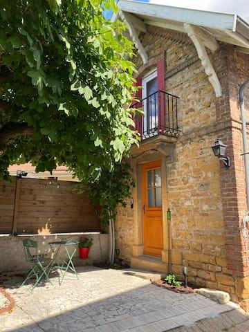 Villefranche-sur-Saône的民宿