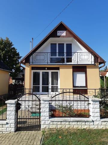 Dombóvár的民宿