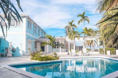 Ocean views and pool in paradise!