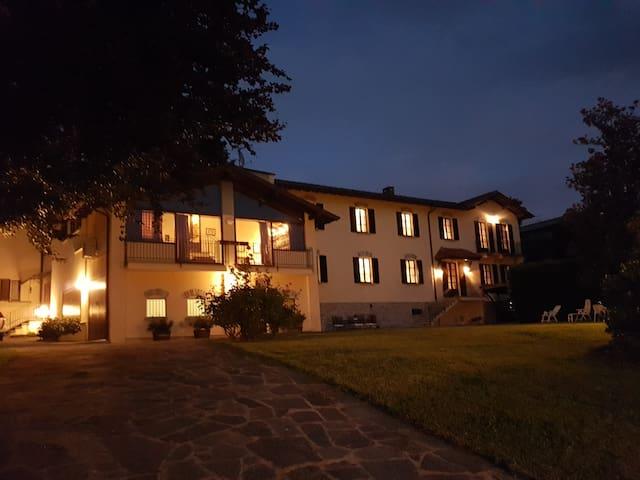 Appiano Gentile的民宿