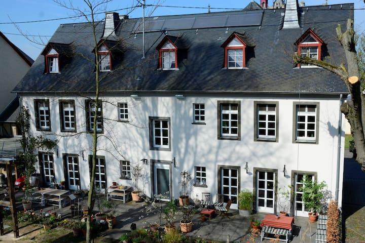 Münstermaifeld的民宿