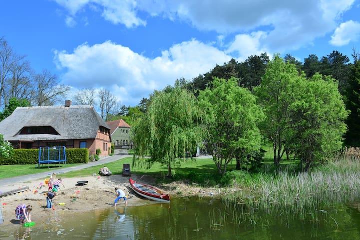 Fischerhaus am Neuklostersee