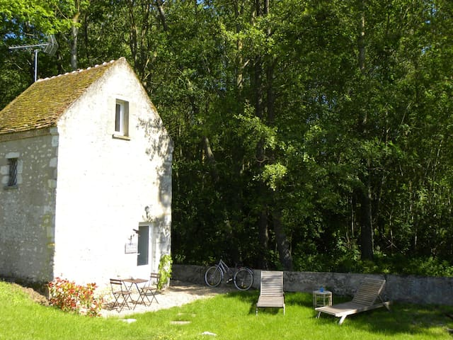 Cléry-Saint-André的民宿