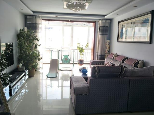 多伦县三室一厅家庭公寓