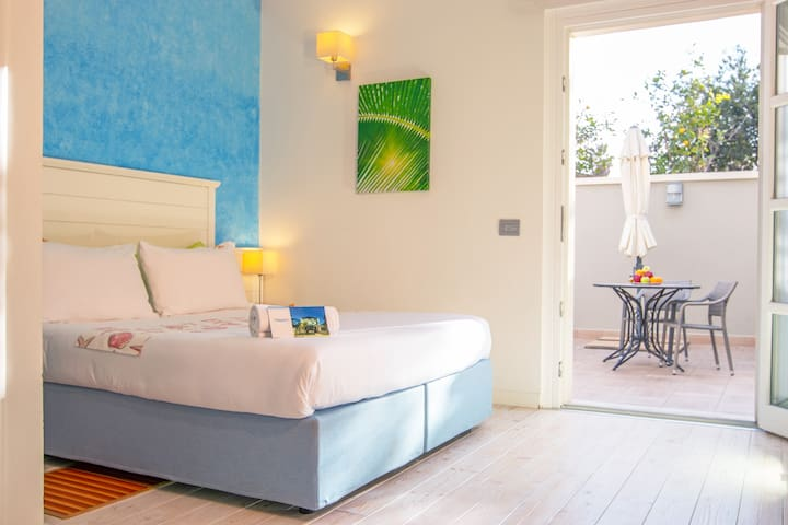 Triple Room with Private Bathroom in the Seashore