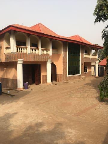 Onitsha的民宿