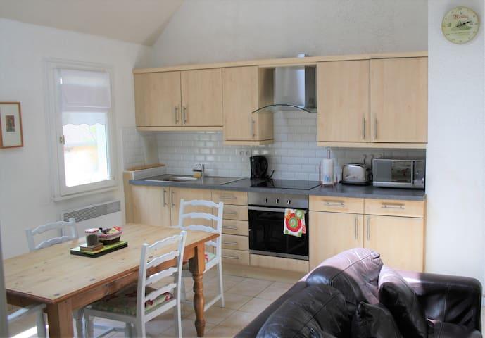 Asnières-sur-Vègre的民宿