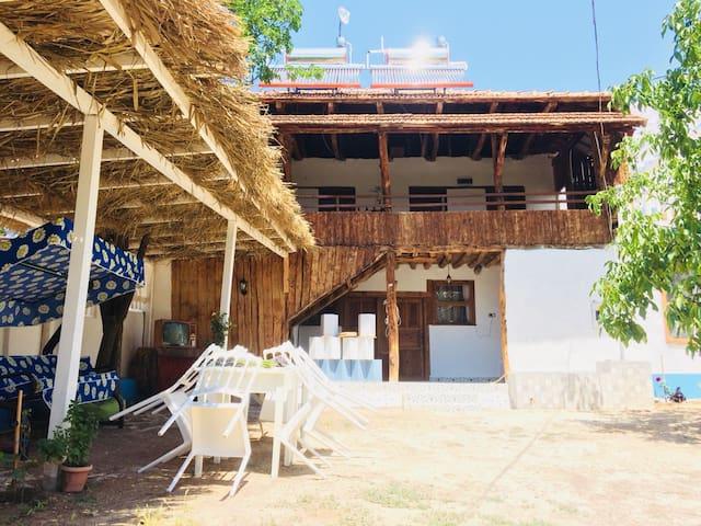 Kuyucak Köyü的民宿