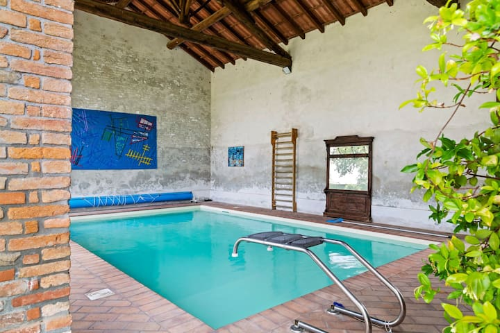 Delightful Holiday Home in Cornovecchio with Swimming Pool
