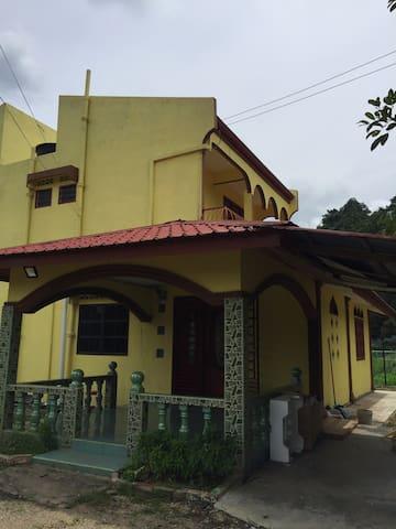 Pengkalan Hulu的民宿