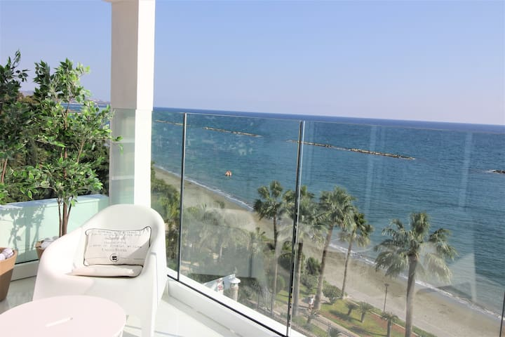 Boutique Apartment on the Beach - Luxury & Privacy