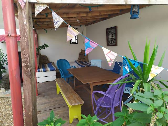 Studio entièrement indépendant avec jardin