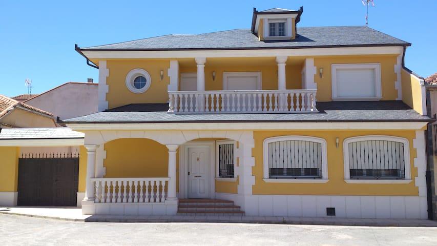Villa Luxury (Jemenuño-Segovia)