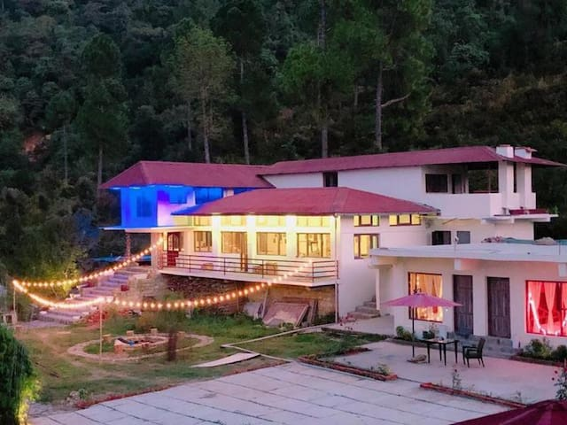 Patal Bhuvaneshwar的民宿