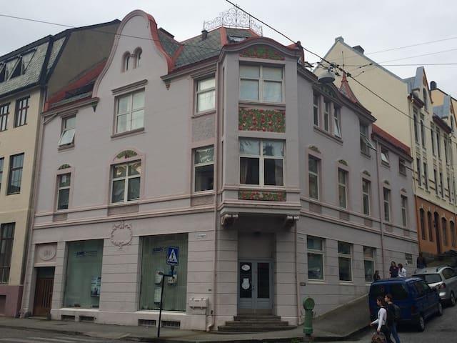 Ålesund的民宿