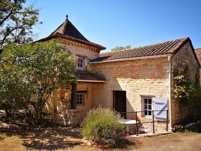Carnac-Rouffiac的民宿