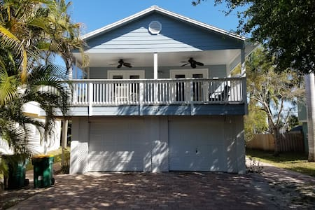 Charming Keys Style house