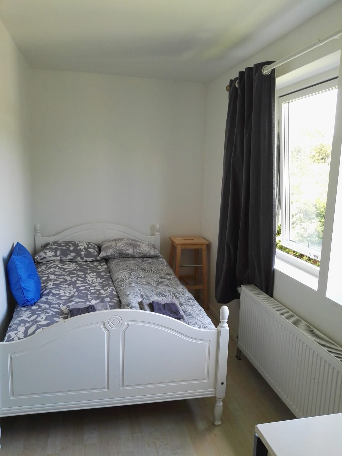 4) Private room in shared house in Lund