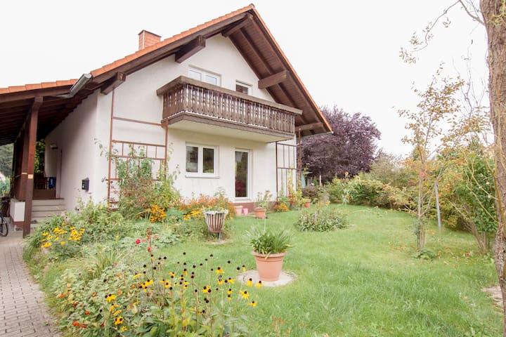 Ruttersdorf-Lotschen的民宿