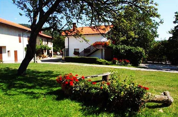 Ratečevo Brdo的民宿
