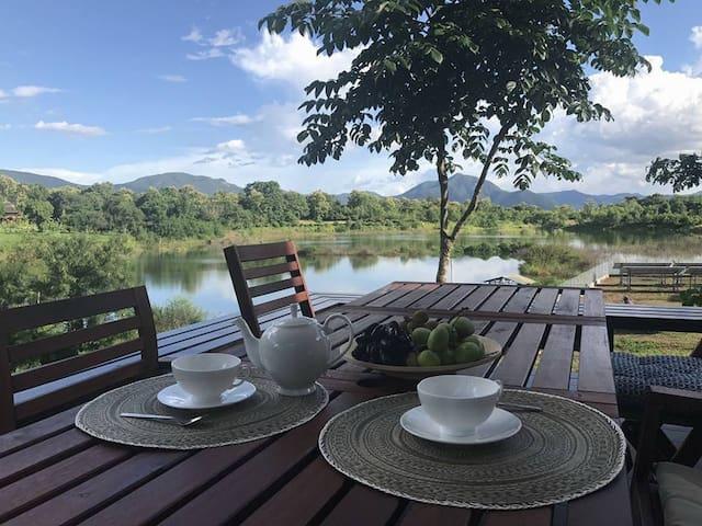 Ban Sa Ha Khon的民宿