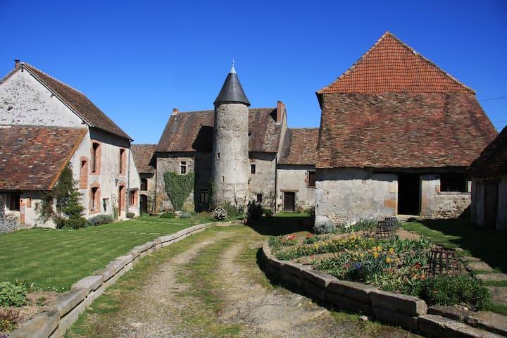 Brigueil-le-Chantre的民宿