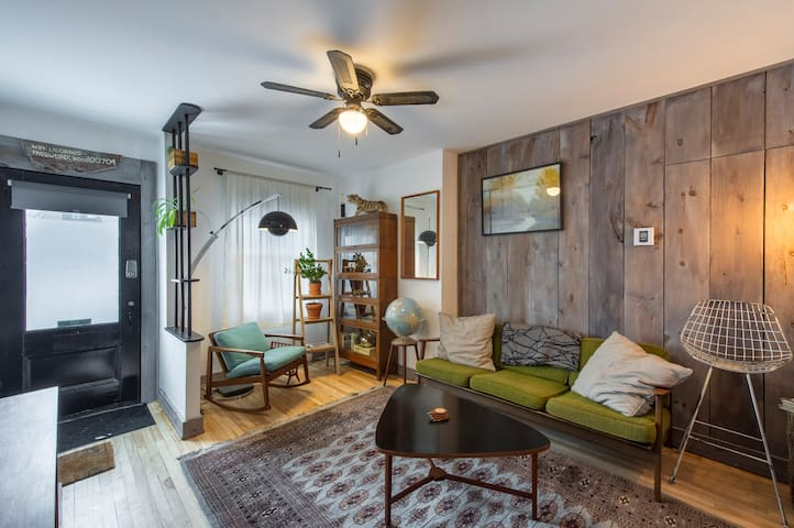 GARDEN apartment in the heart of the plateau