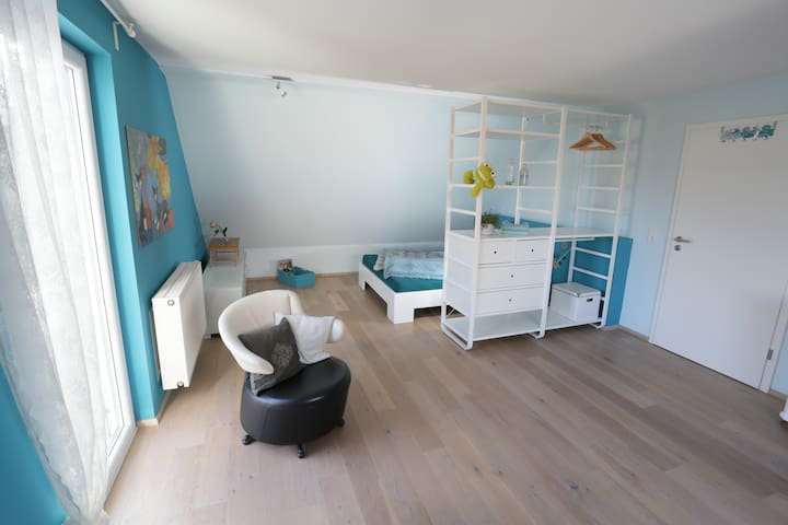 Spacious and quiet room with access to garden