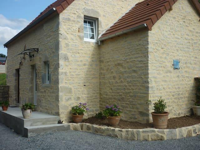Mandeville-en-Bessin的民宿