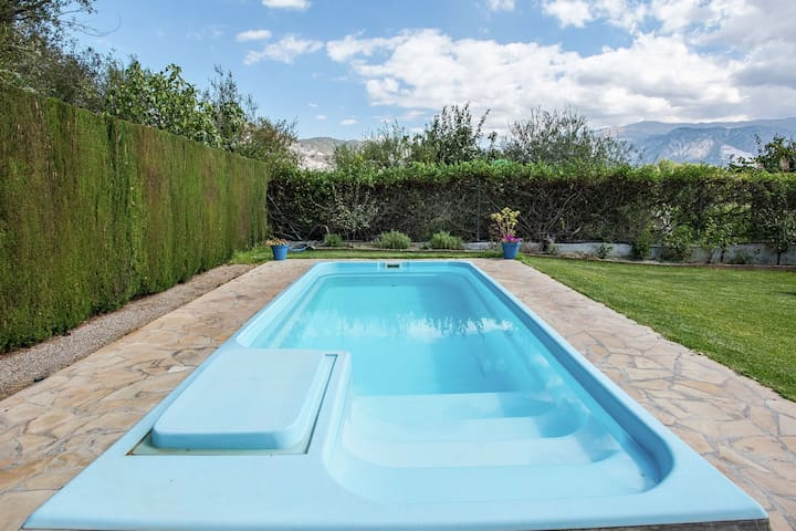 Rustic Cottage in El Padul with Swimming Pool