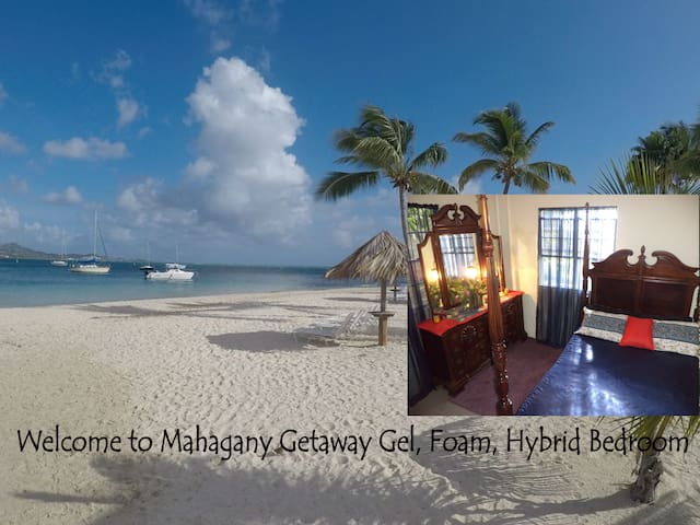 Mahogany Getaway AC/WiFi-Bus-Great Monthly Rates!