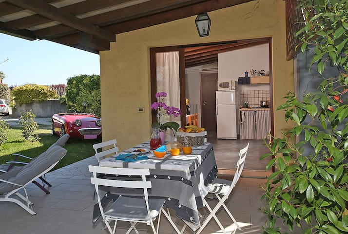 Cottage 40sqm 2/4 people, pool, Free WIFI
