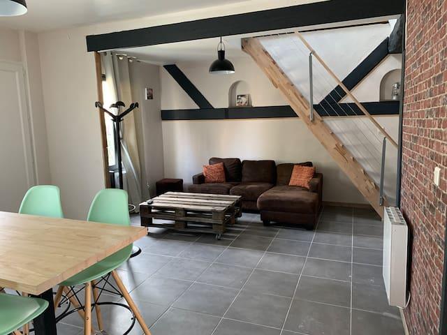 Viry-Noureuil的民宿