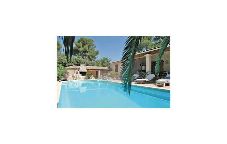 Holiday apartment with 1 bedroom on 30m² in Le Muy