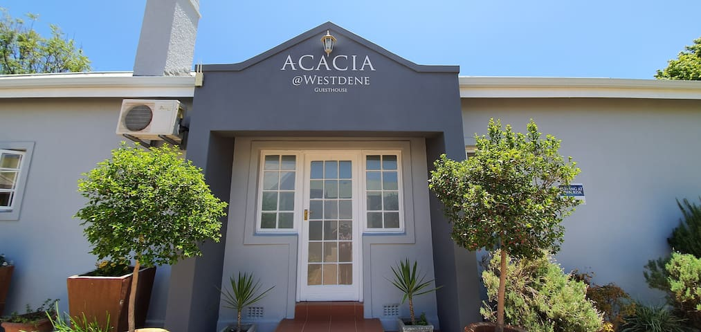 Acacia Westdene - Self Catering House (4 Guests)