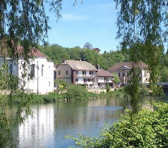 L'Isle-sur-le-Doubs的民宿