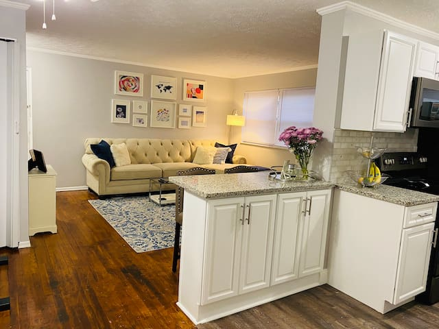 Charming 2 bedroom apartment in Oakley