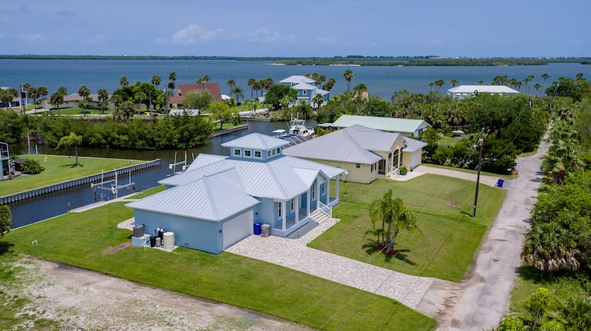 Brand New! Contemporary House on canal w/ dock