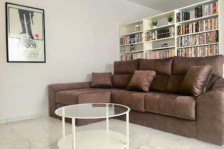 BRAND NEW APARTMENT FOR 4-5 PEOPLE IN THE CENTER