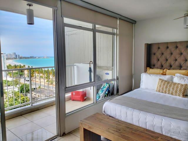 Breathtaking Ocean view studio @ Coral Beach Condo